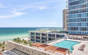 Carillon Hotel pool beach