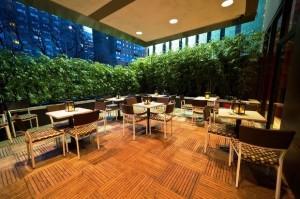 Bentley Hotel outdoor dining