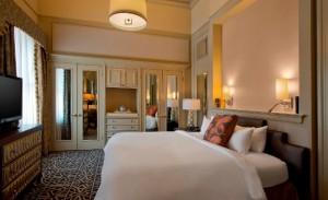 Icon Hotel Executive Suite Bedroom