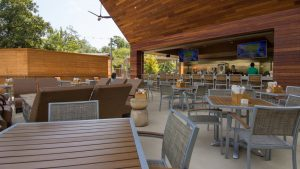 houstonian-hotel-outdoor-dining