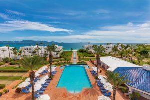 Cuisinart resort pool