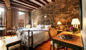 Auberge du Vieux Port guest suite