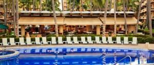 Villa del Palmar Beach Resort pool dining
