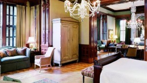 Wentworth Mansion bedroom-sitting-area