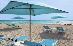 The Palms hotel beach