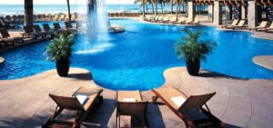 The Fairmont Pierre Marques pool