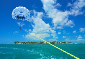 Parasailing-in-Key-West_1-650x450