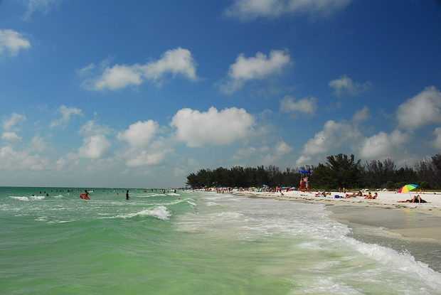beaches pinella county Florida on a budget