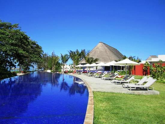 Sofitel SO Mauritius pool