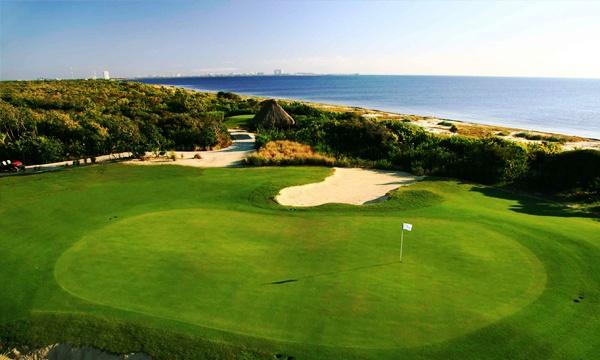 Golf Riviera Cancun Mexico