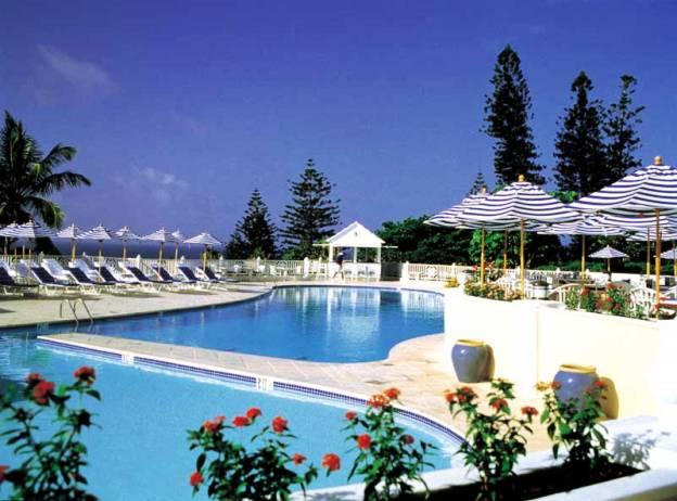Elbow Beach Bermuda Pool