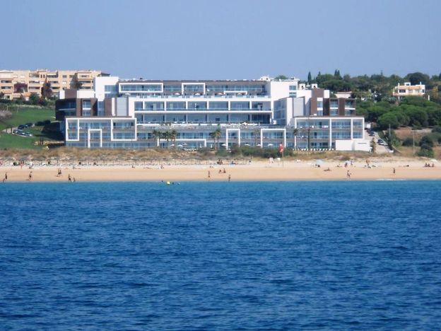 Yellow Lagos Meia Praia Hotel beach view