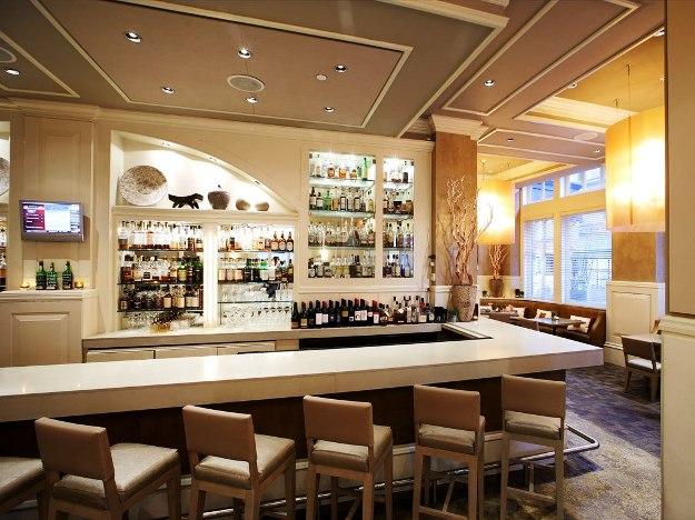 Fifteen Beacon Bar