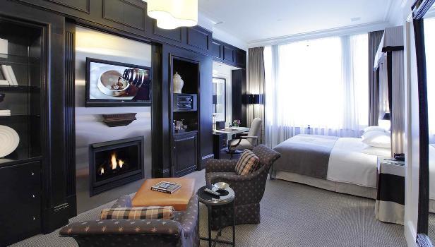 Fifteen Beacon Guest Rooms