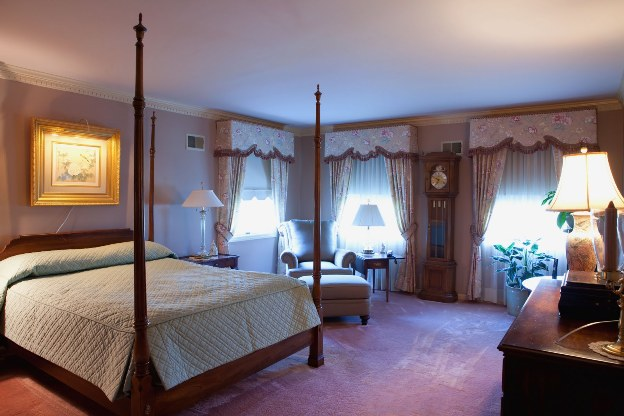 Omni Bedford Springs Resort guest rooms
