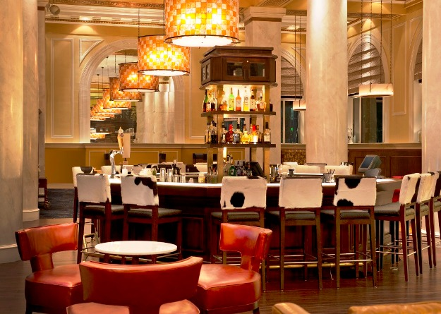 Hotel ICON lobby bar
