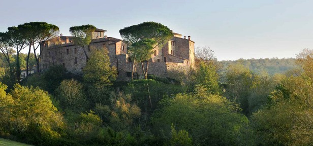 Caste Monastero exterior