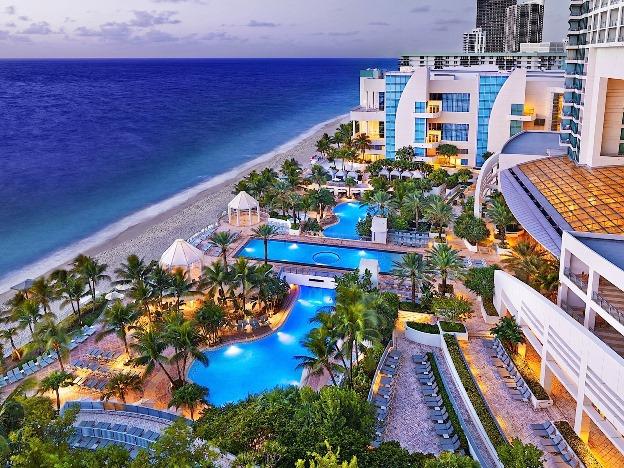 Diplomat Resort Pool beach