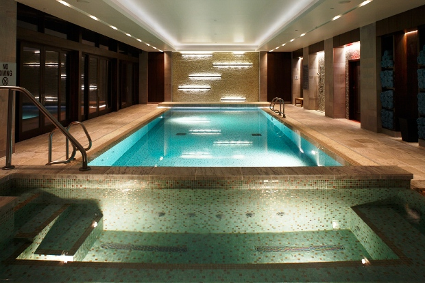 Primland indoor pool