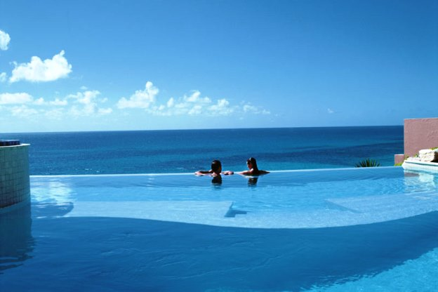 The Reefs infinity pool