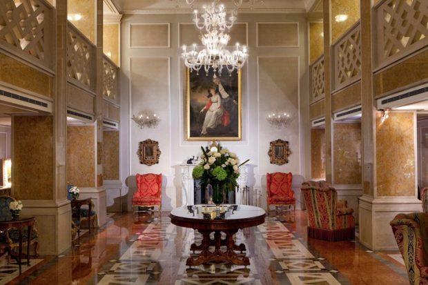 Luna Hotel Baglioni lobby