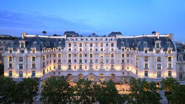 Peninsula Paris Exterior-Night