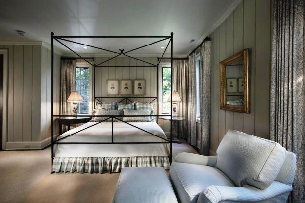 Old Edwards inn Bedroom at Falls Cottages