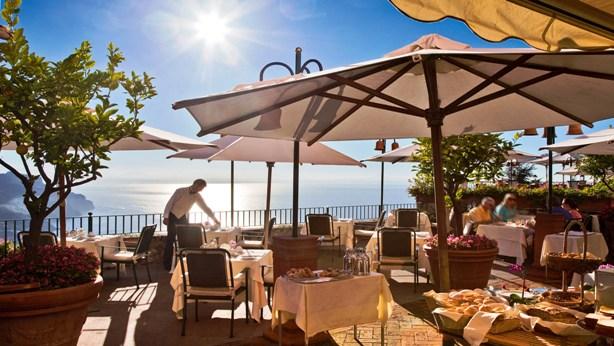 Palazzo Avino outdoor breakfast