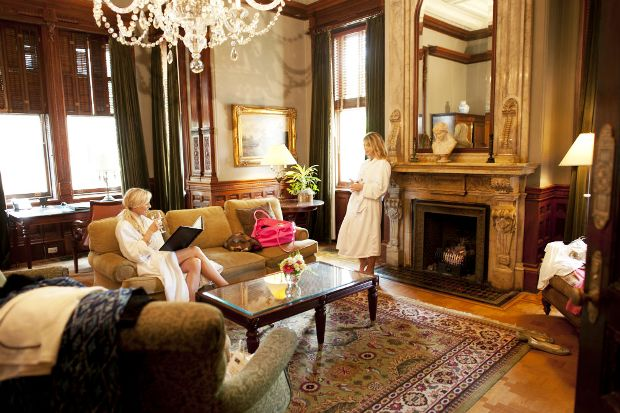 Wentworth Mansion suite