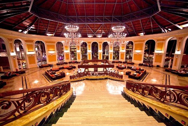 Majestic Elegance Punta Cana lobby