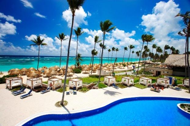 Majestic Elegance Punta Cana pool and beach