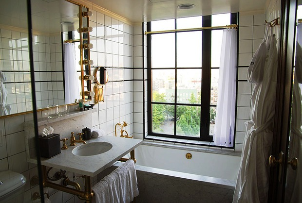 The ludlow Hotel guestrooms bathroom