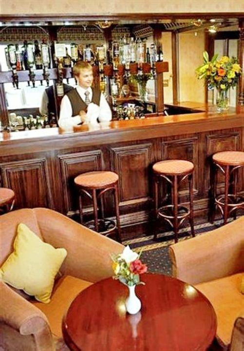 London Premier Notting Hill Bar lounge
