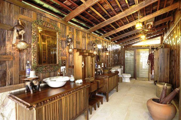 Santhiya Koh Yao Yai Resort & Spa guest bathrooms