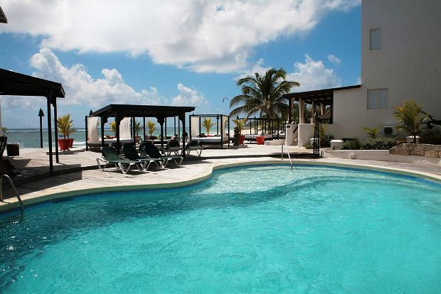 Silver Point Hotel pool