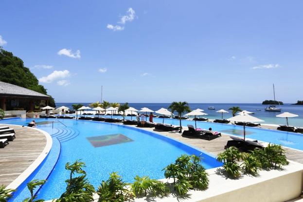 Buccament Bay Resort pool side