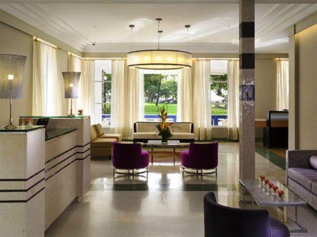 Esplendor Hotel Breakwater lobby