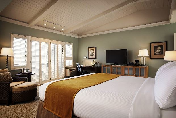 The Lodge at Tiburon guest rooms