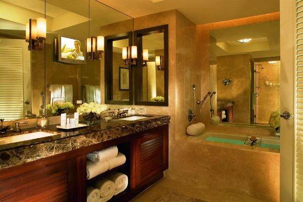 The Ritz-Carlton, Fort Lauderdale guest bathroom