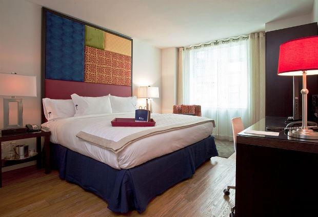 Hotel Indigo NYC Chelsea guestroom
