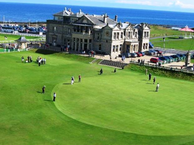 18th green at the old course