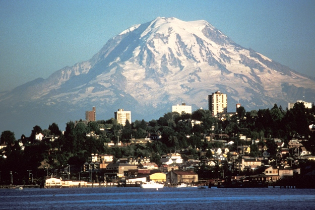 Mount_Rainier_Tacoma