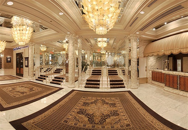 5. Golden Nugget Hotel and Casino