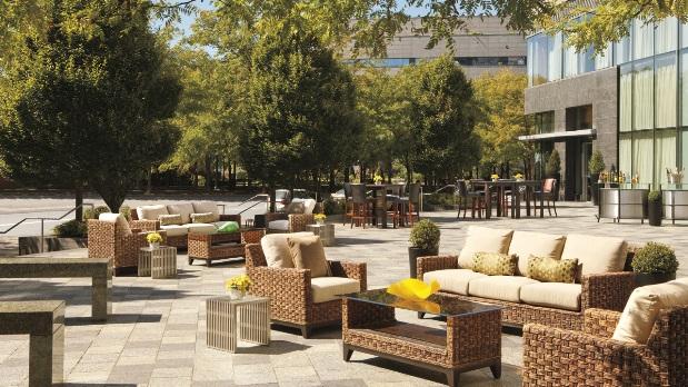 Ritz-Carlton Battery Park outdoor lounge