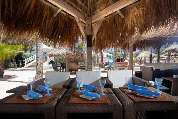 Le Guanahani beach dining