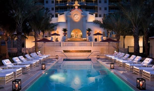 Acqualina resort Spa pool