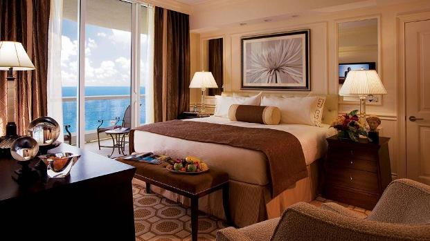 acqualina resort classic suite bedroom