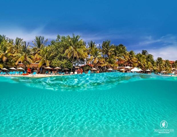best hotels in Roatán Honduras